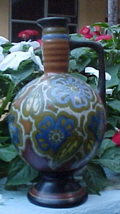 PZH Gouda Decanter; Actual size=240 pixels wide